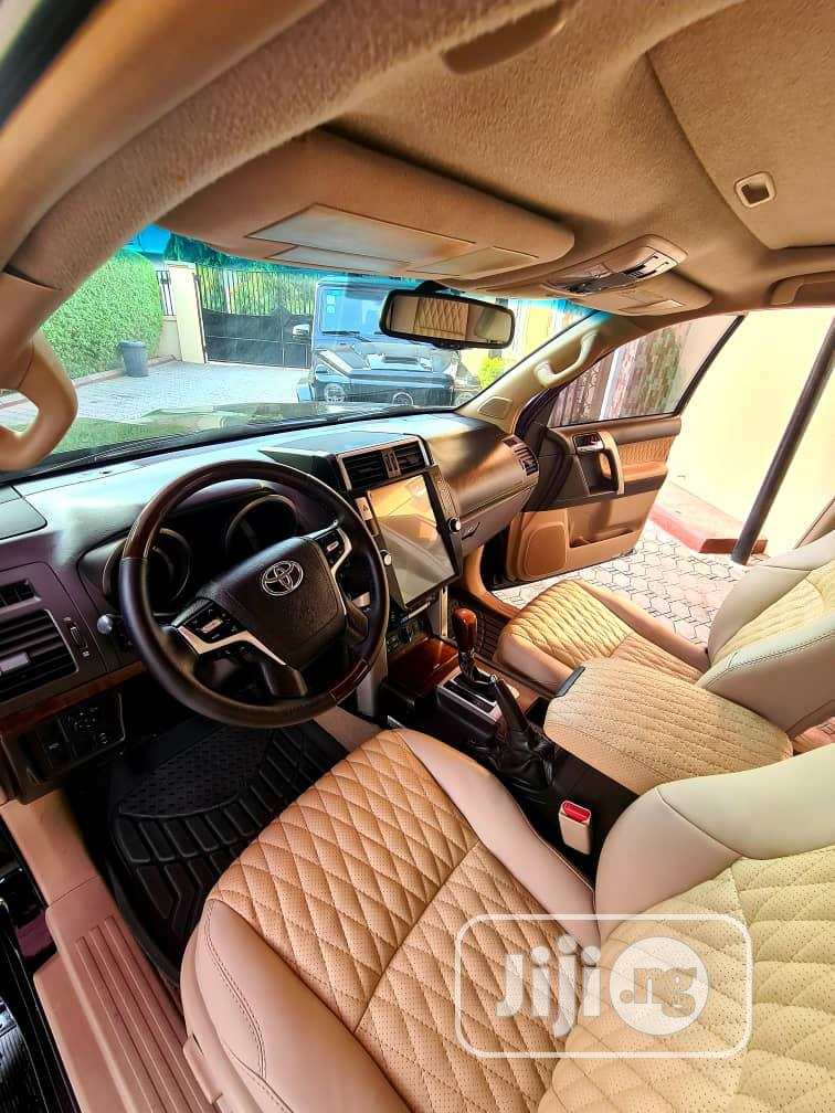 Archive: Toyota Land Cruiser Prado 2011 VX Black