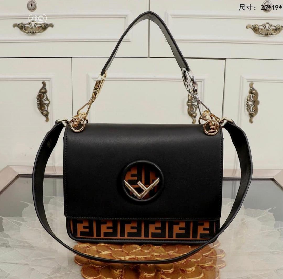 High Quality Fendi Shoulder Bags for Ladies