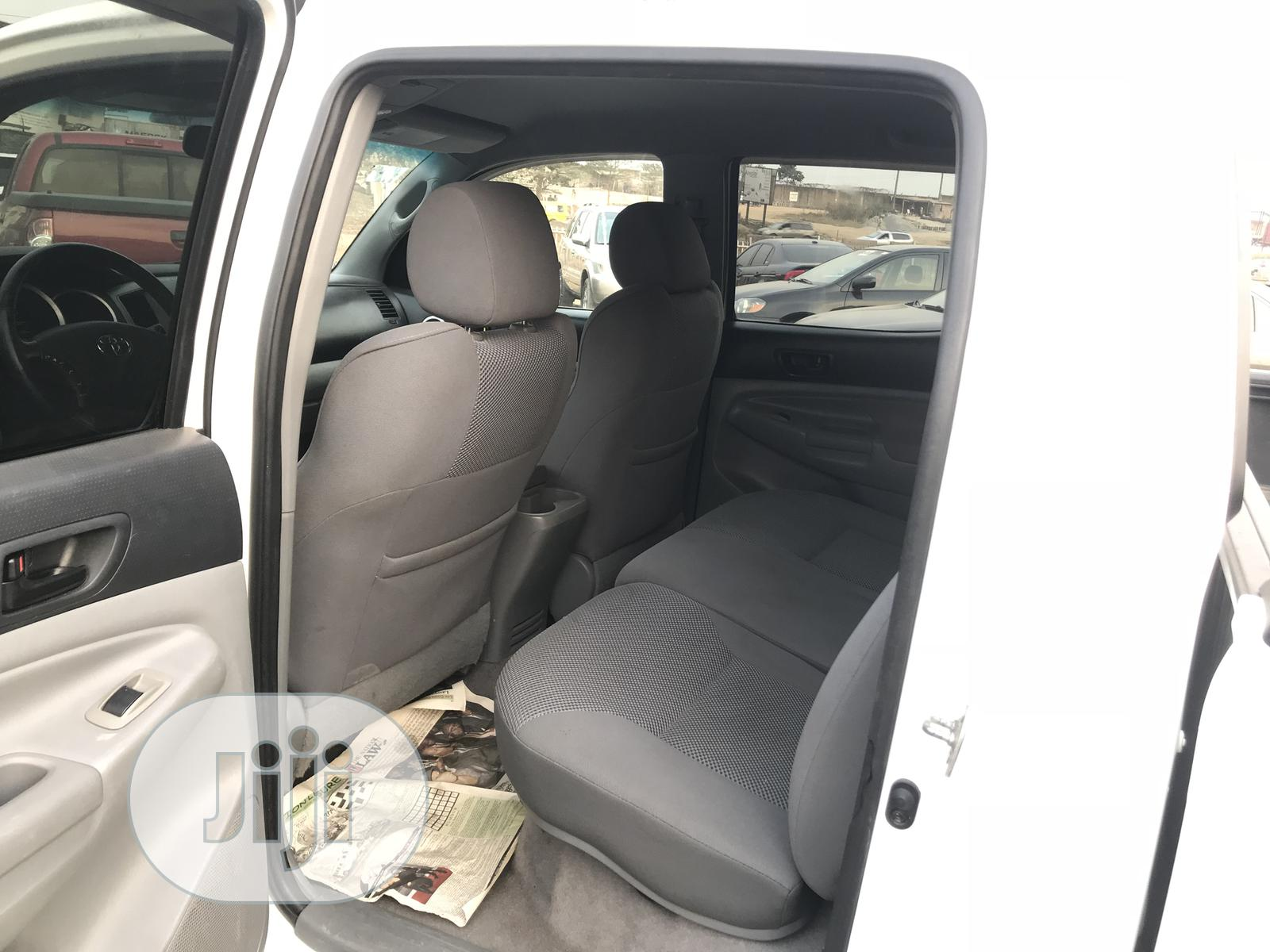 Toyota Tacoma 2006 PreRunner Access Cab White | Cars for sale in Ikeja, Lagos State, Nigeria