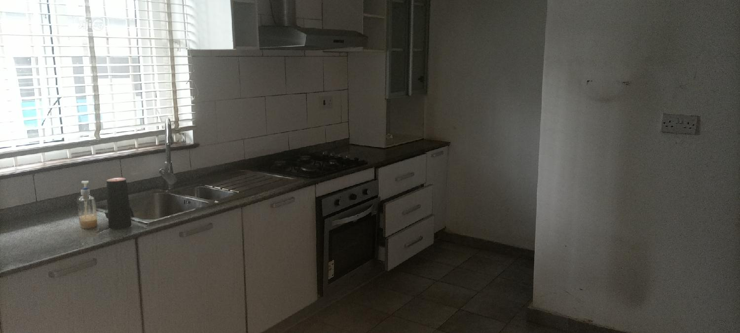 Archive: Spaciously Built 2 Bedroom Apartment for Rent in Oniru