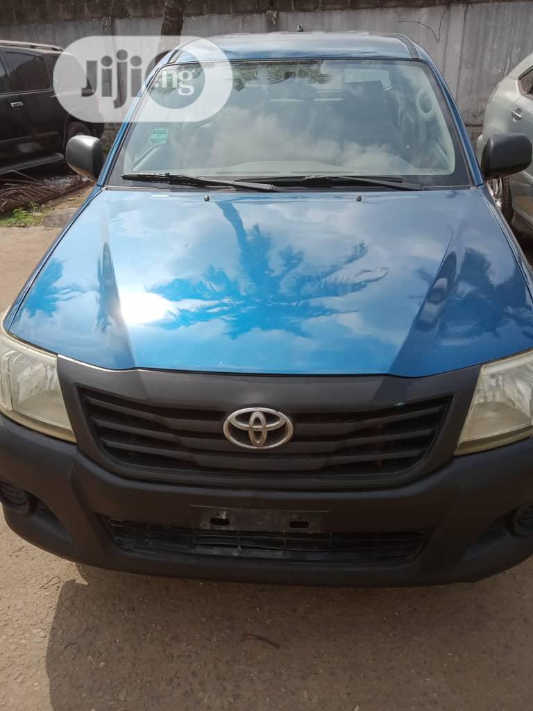 Toyota Hilux 2012 Blue
