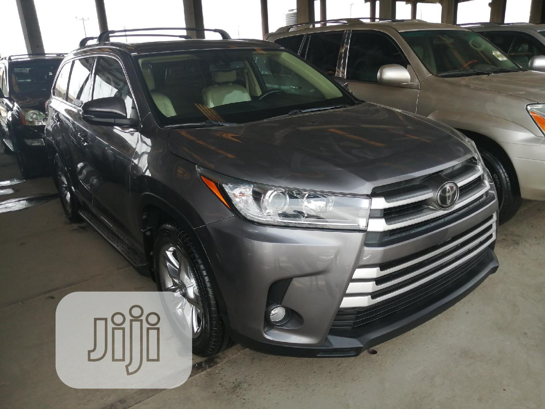 Toyota Highlander 2018 Blue
