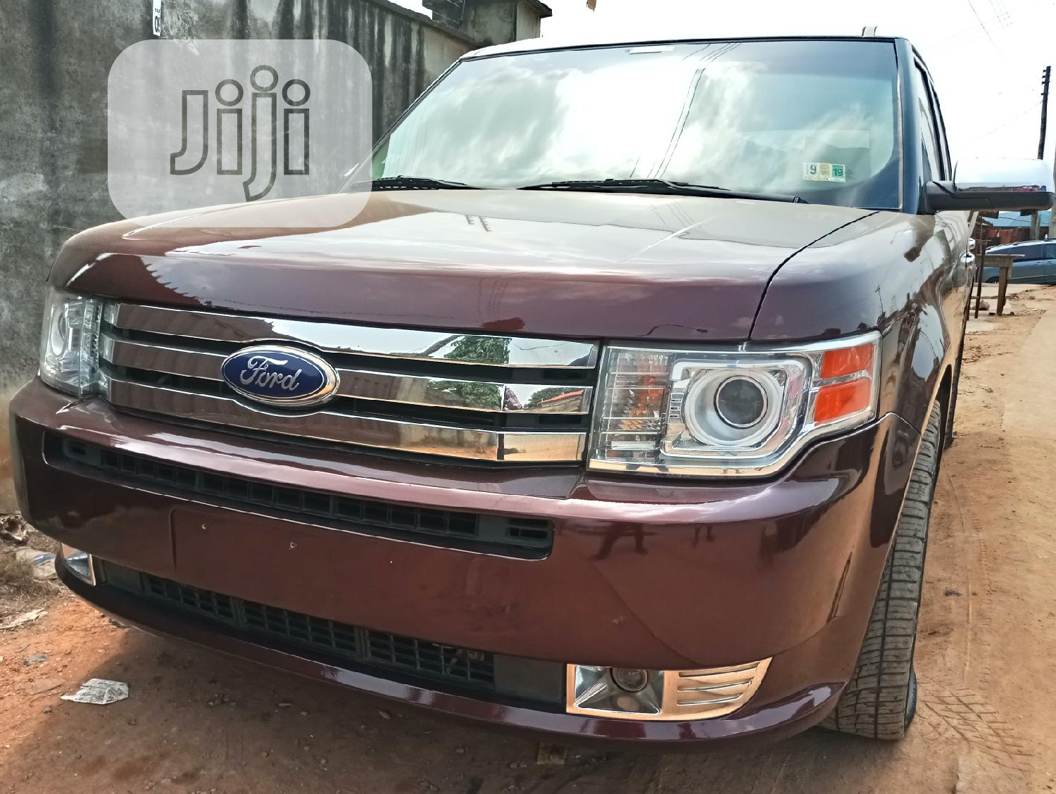 Archive: Ford Flex 2009 Limited Brown