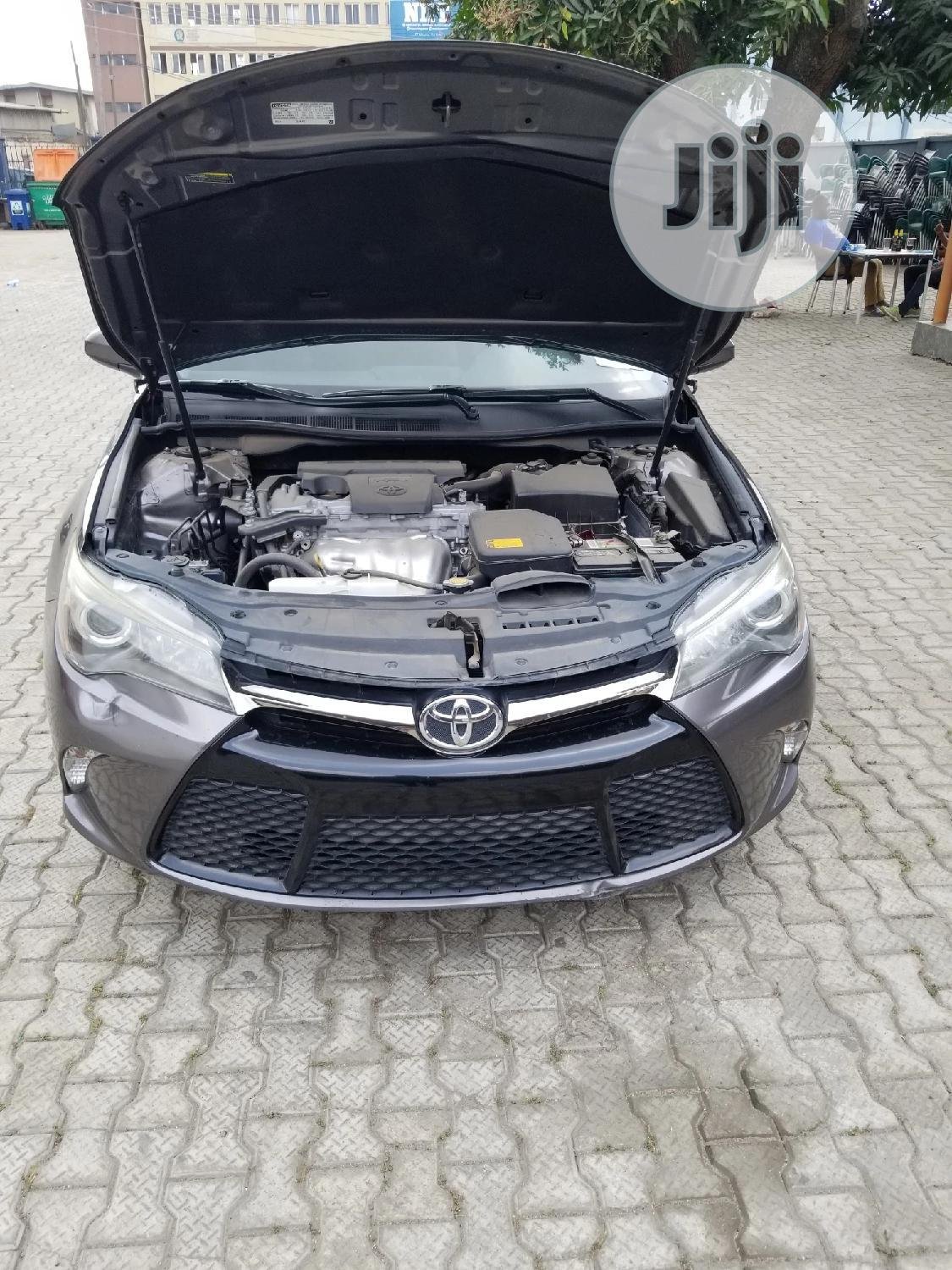 Archive: Toyota Camry 2015 Brown
