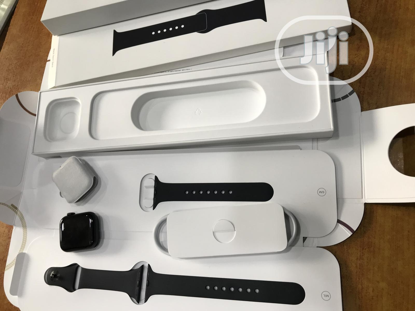 Apple Watch Series 6 40MM (GPS Only)   Smart Watches & Trackers for sale in Ikeja, Lagos State, Nigeria