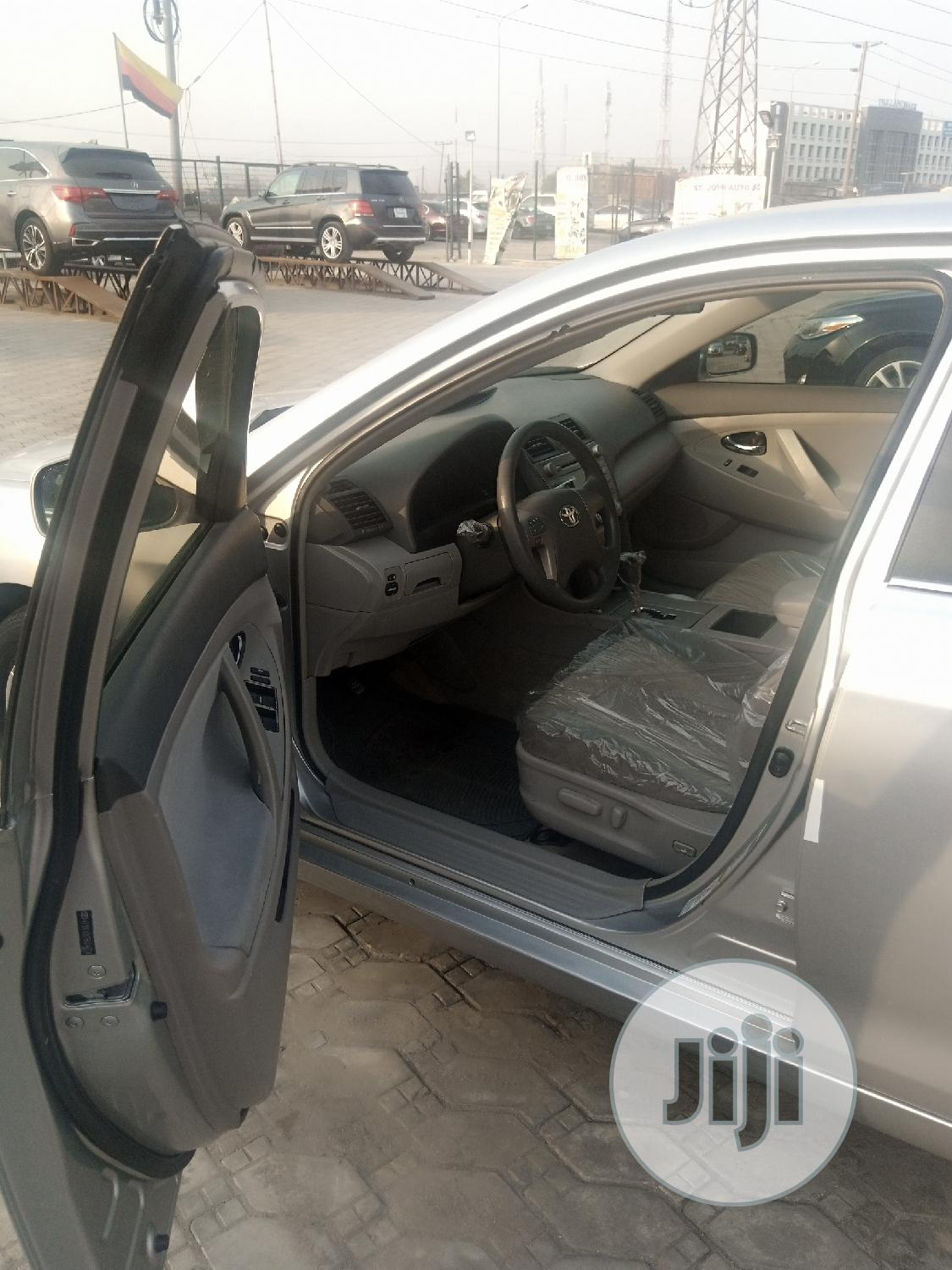 Toyota Camry 2008 2.4 LE Silver | Cars for sale in Ibeju, Lagos State, Nigeria