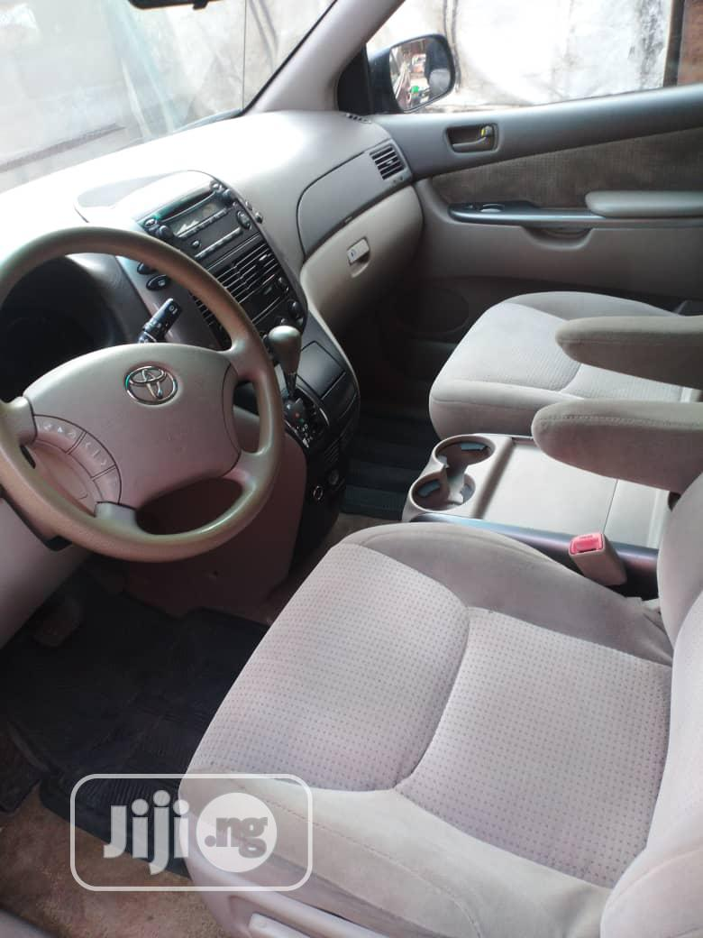 Toyota Sienna 2006 Red   Cars for sale in Surulere, Lagos State, Nigeria