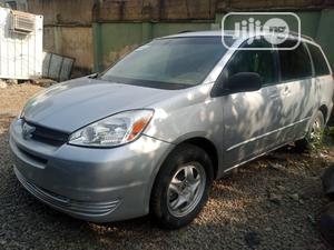Toyota Sienna 2005 LE AWD Silver | Cars for sale in Abuja (FCT) State, Central Business Dis