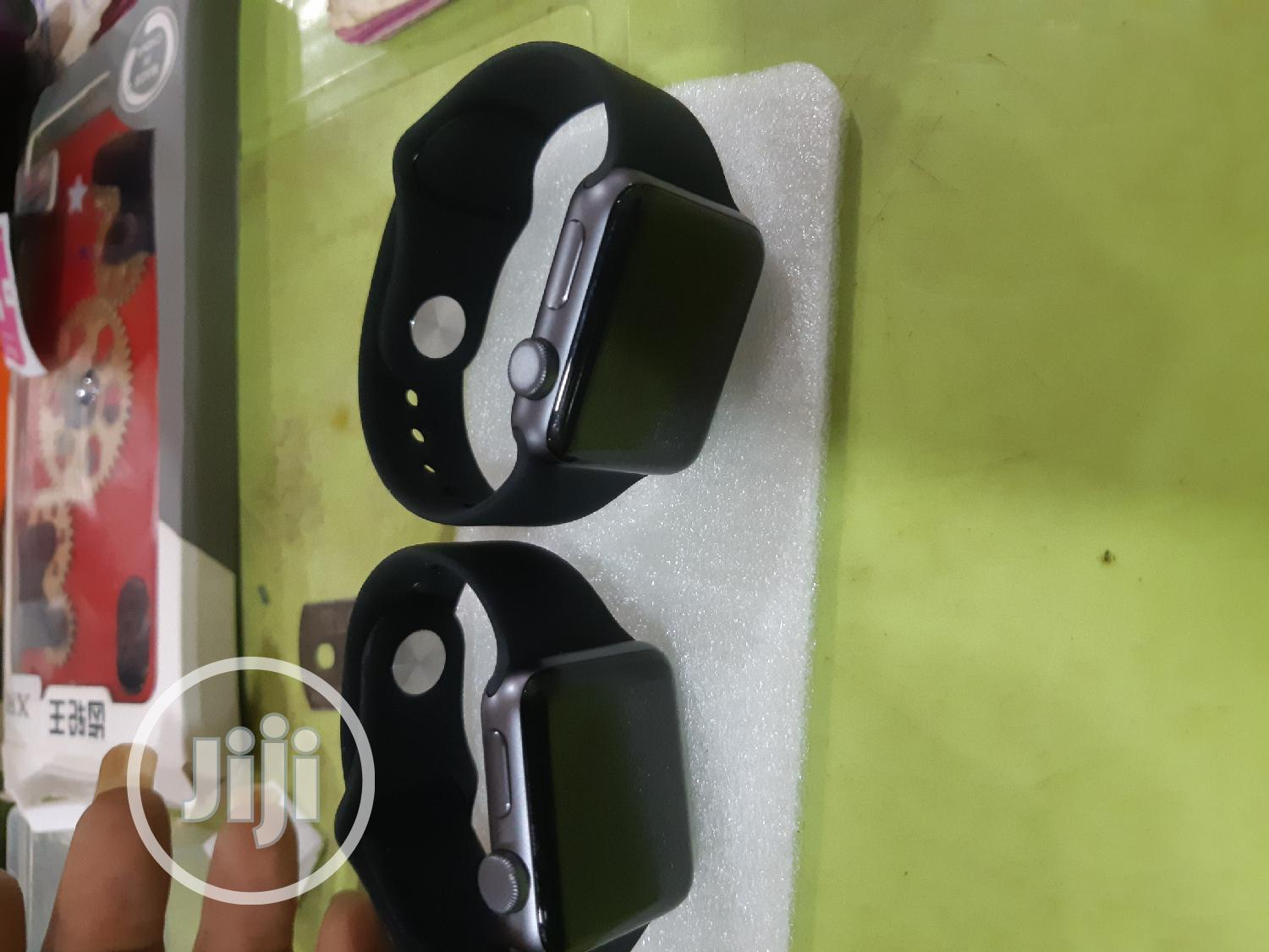 Apple Series 3 With Charger   Smart Watches & Trackers for sale in Benin City, Edo State, Nigeria