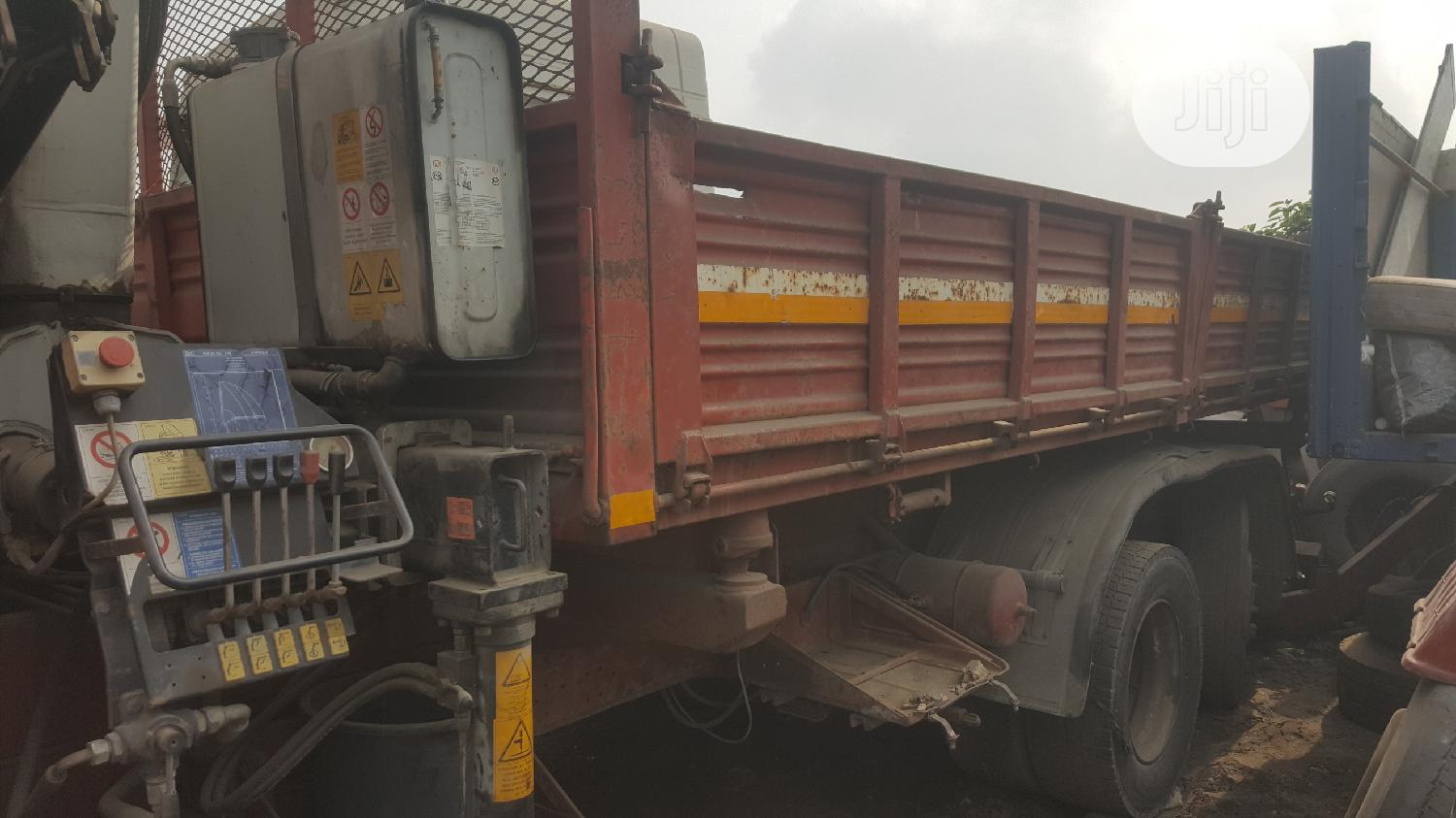 Tokunbo 5tons Hiab Crane IVECO Tipper Eight Tyres Truck | Trucks & Trailers for sale in Apapa, Lagos State, Nigeria