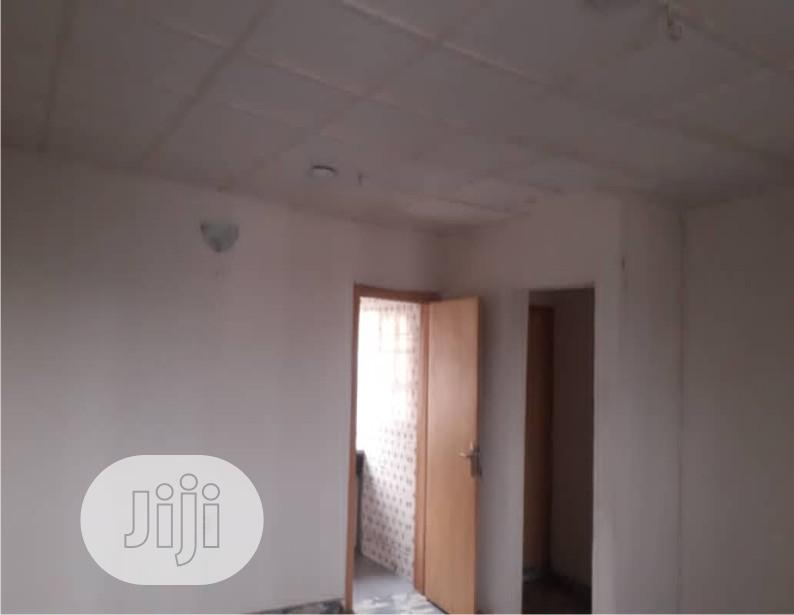 A Very Lovely and Spacious Room in a 2 Bedroom Flat