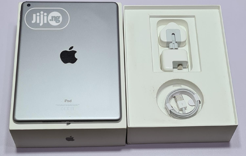 Apple iPad 9.7 32 GB Gray   Tablets for sale in Ikeja, Lagos State, Nigeria