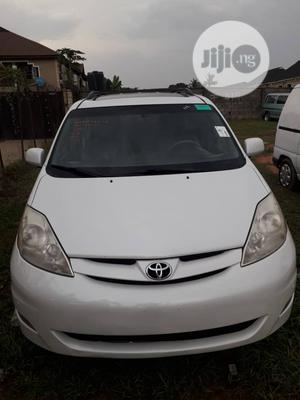 Toyota Sienna 2009 White | Cars for sale in Lagos State, Alimosho