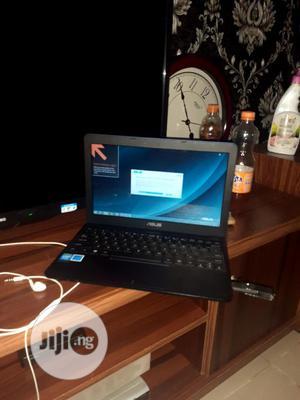 Laptop Asus EeeBook X205TA 2GB Intel Celeron SSD 32GB   Laptops & Computers for sale in Lagos State, Ikeja