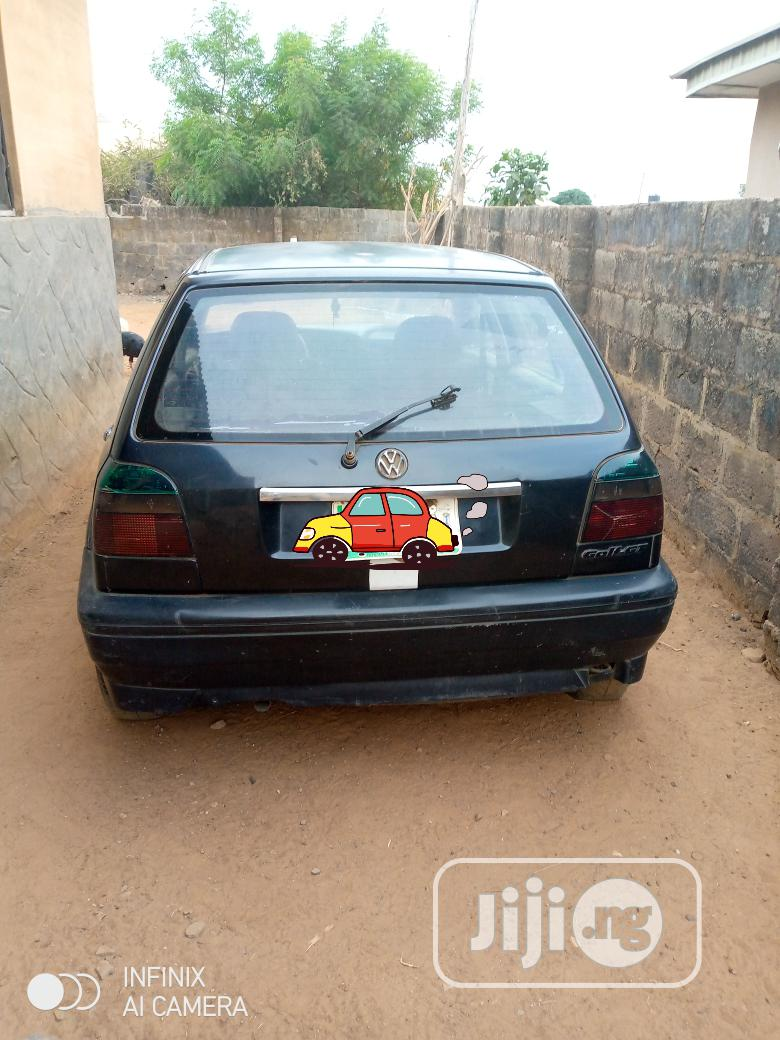 Archive: Volkswagen Golf 1999 2.0 Automatic Black
