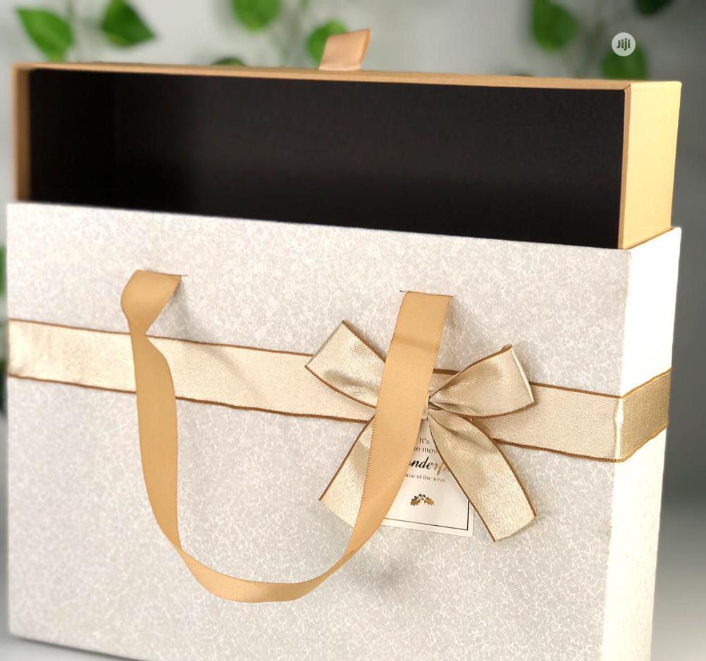 Archive: Single Gift Box