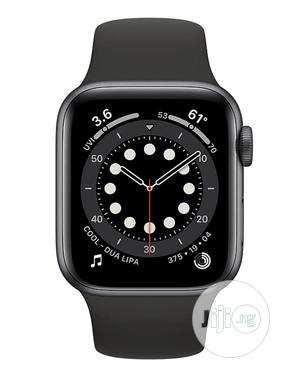 Apple Watch Series 6 (GPS, 40mm) - Space Gray Aluminum Case | Smart Watches & Trackers for sale in Lagos State, Ikeja