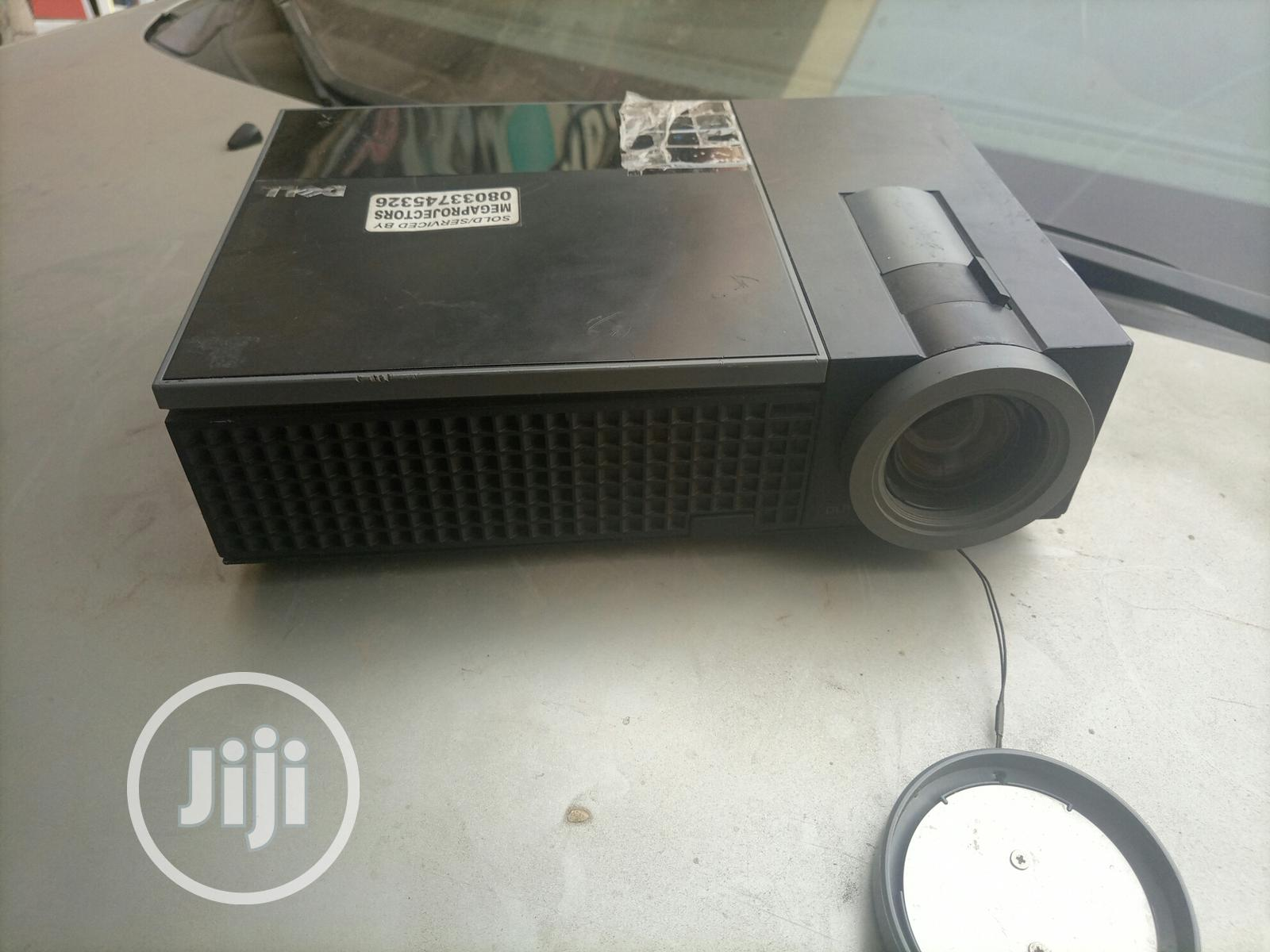 Very Sharp and Unique Dell Projector Available in Nigeria