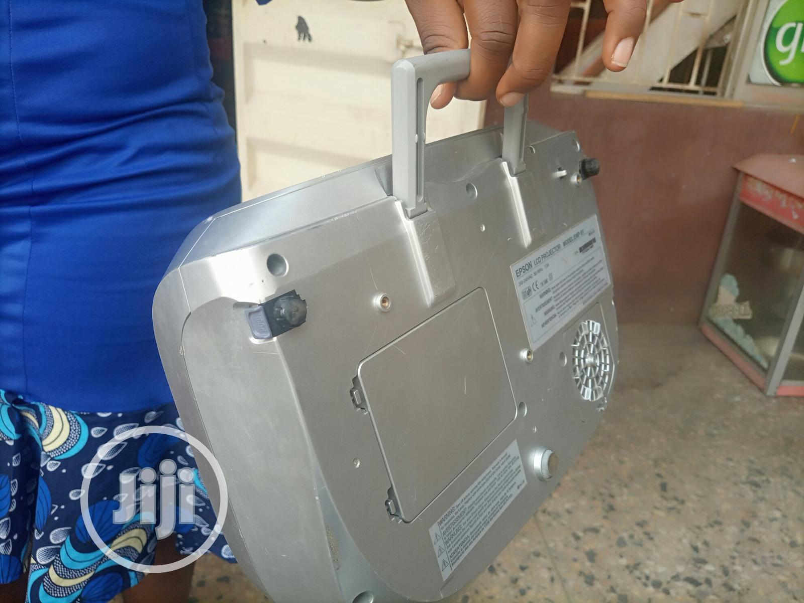 Good and Sharp Epson Projector for Sale | TV & DVD Equipment for sale in Dutse-Alhaji, Abuja (FCT) State, Nigeria