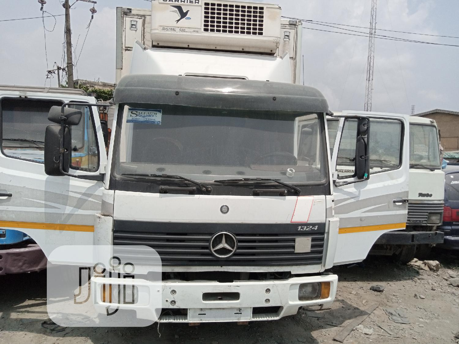 Mercedes Benz Cooling Van 1324