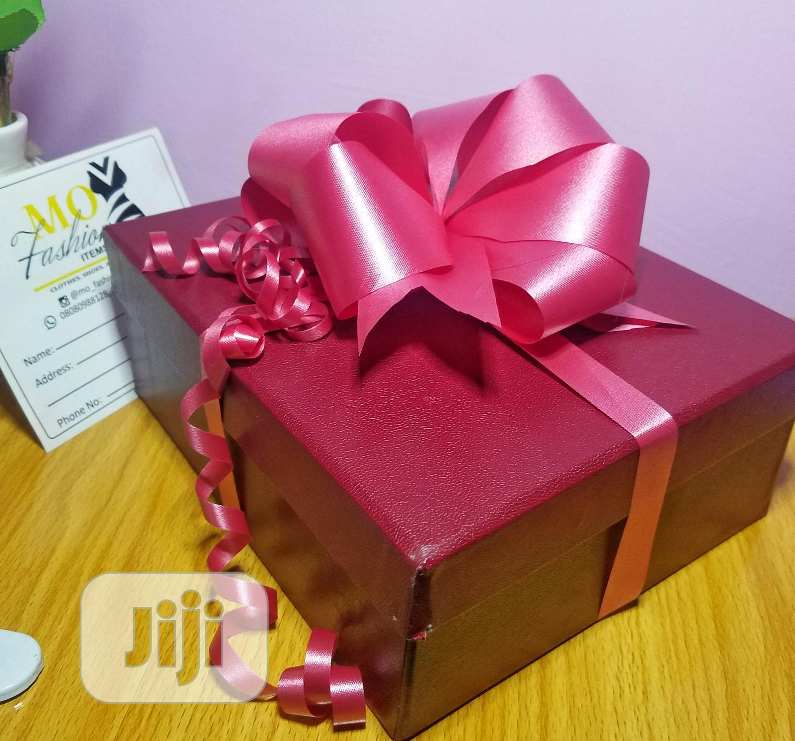 Archive: Valentine Gift Box