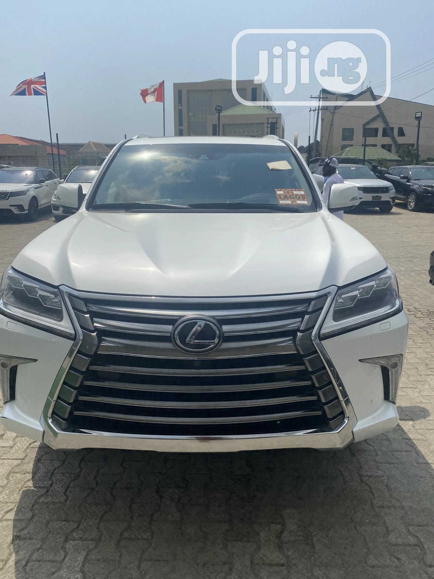 Lexus LX 2017 570 Base White