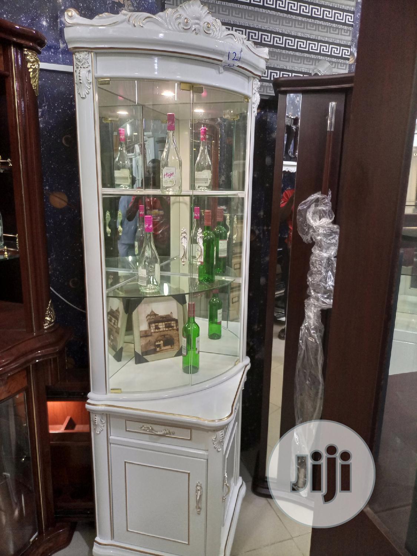 Bar Wine Bar Available