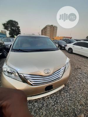 Toyota Sienna 2011 LE 7 Passenger Gold | Cars for sale in Abuja (FCT) State, Central Business Dis