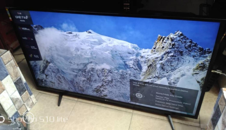 LG London Use Smart TV 49inch