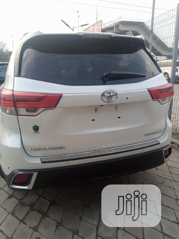 Toyota Highlander 2018 White | Cars for sale in Ikeja, Lagos State, Nigeria
