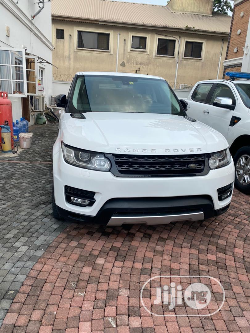 Archive: Land Rover Range Rover Sport 2015 White