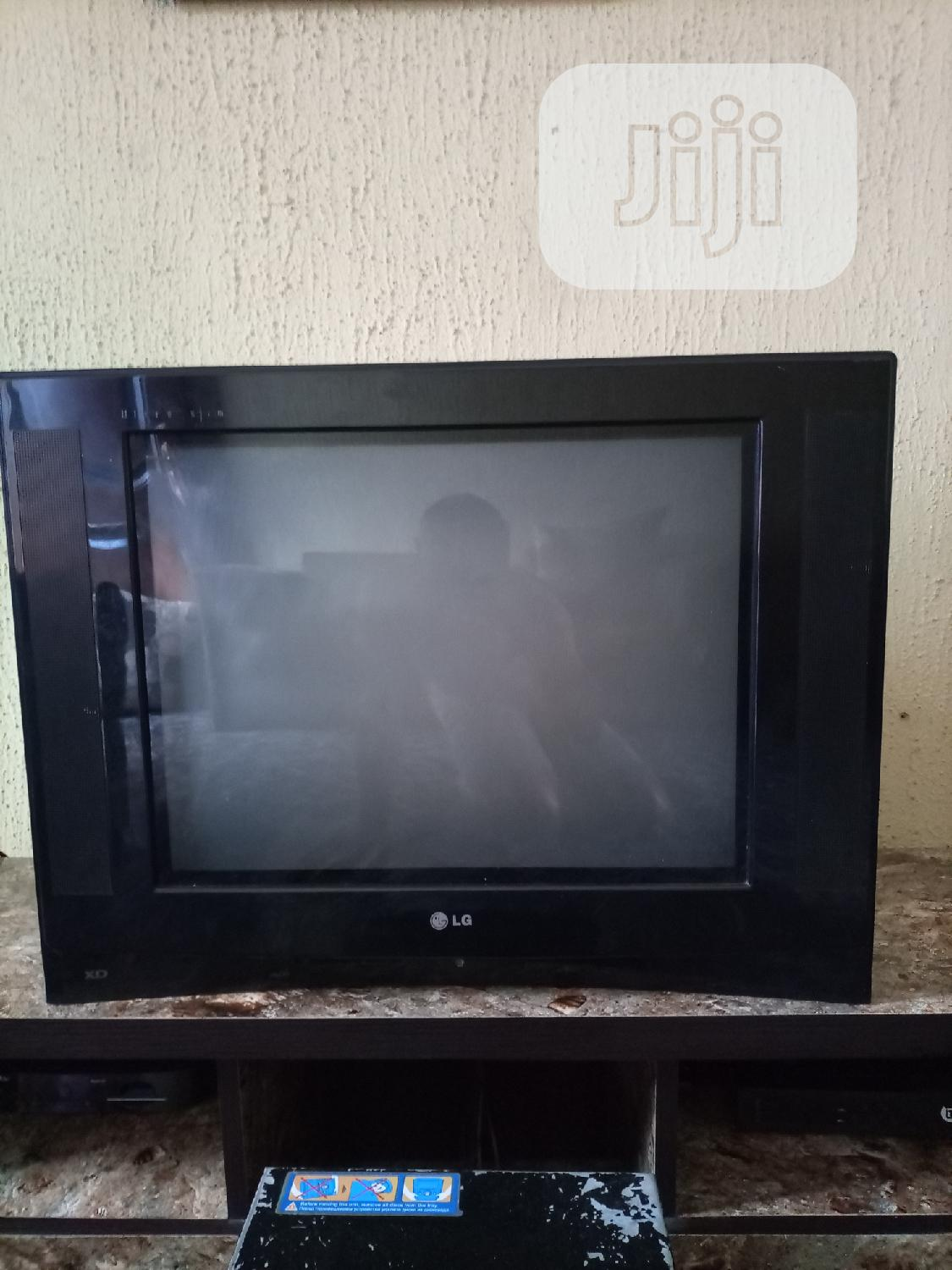 LG 24inches