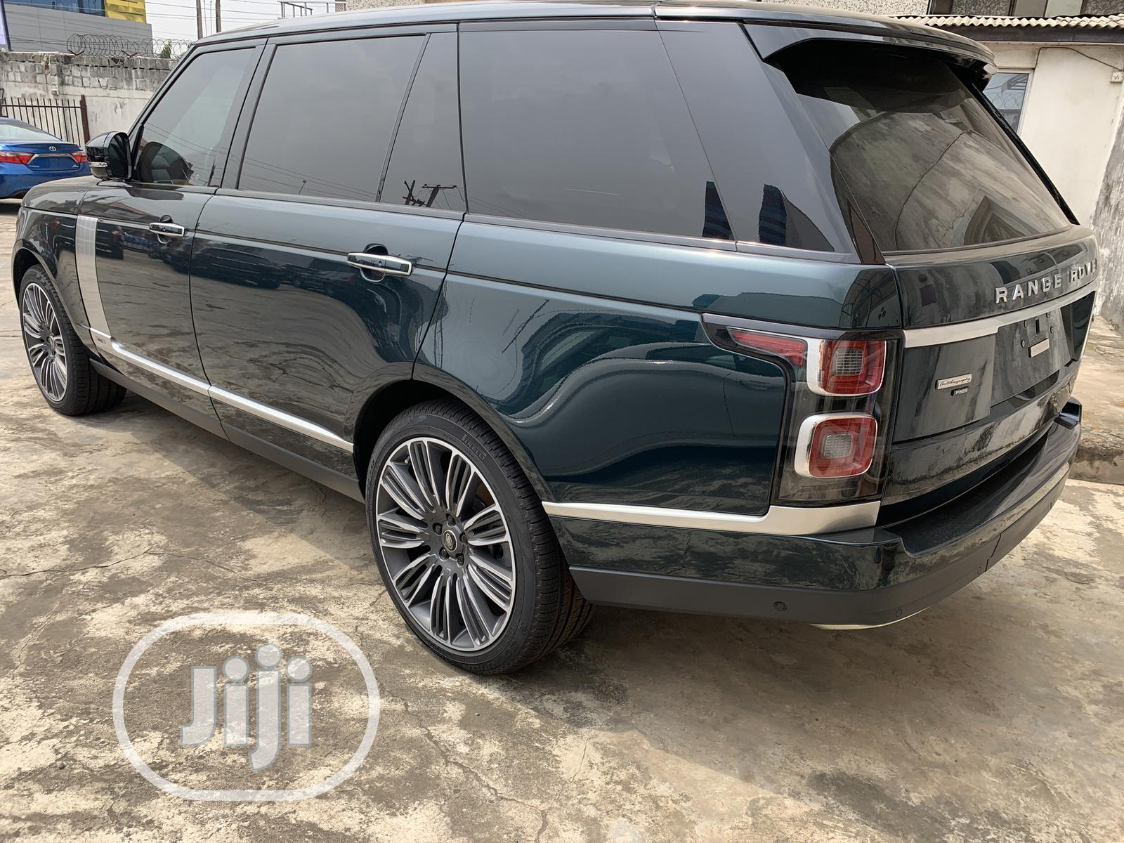 Archive: New Land Rover Range Rover Vogue 2020 Green