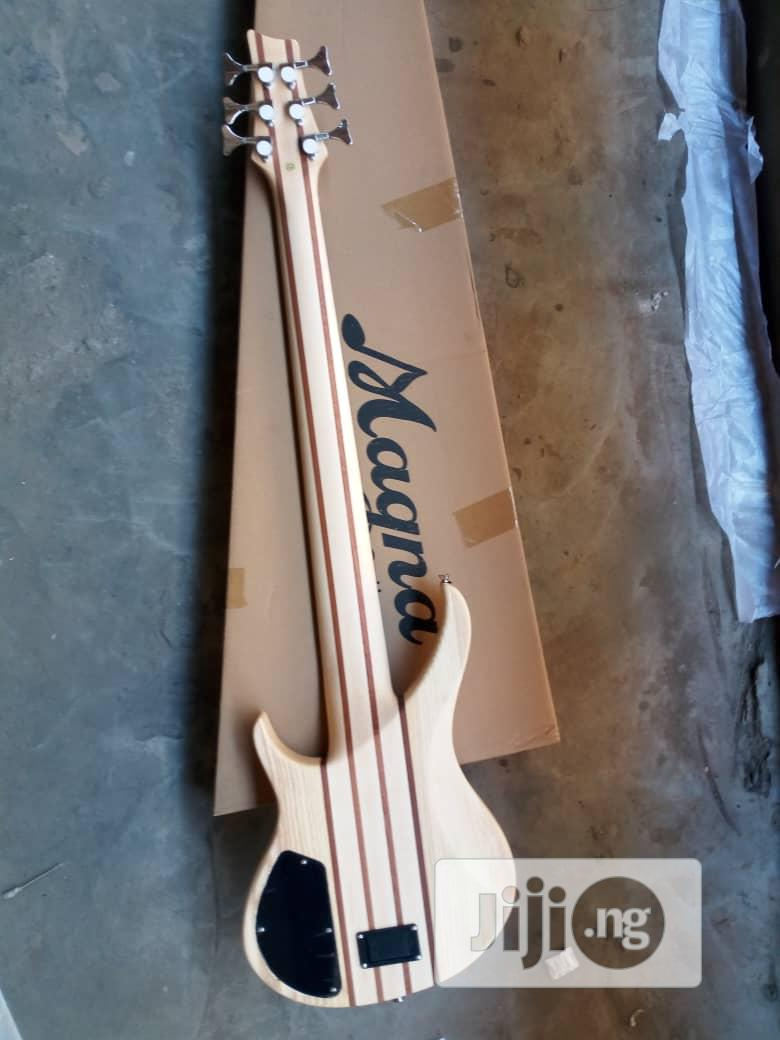 Magna Ukulele 5 Strings Bass Guitar