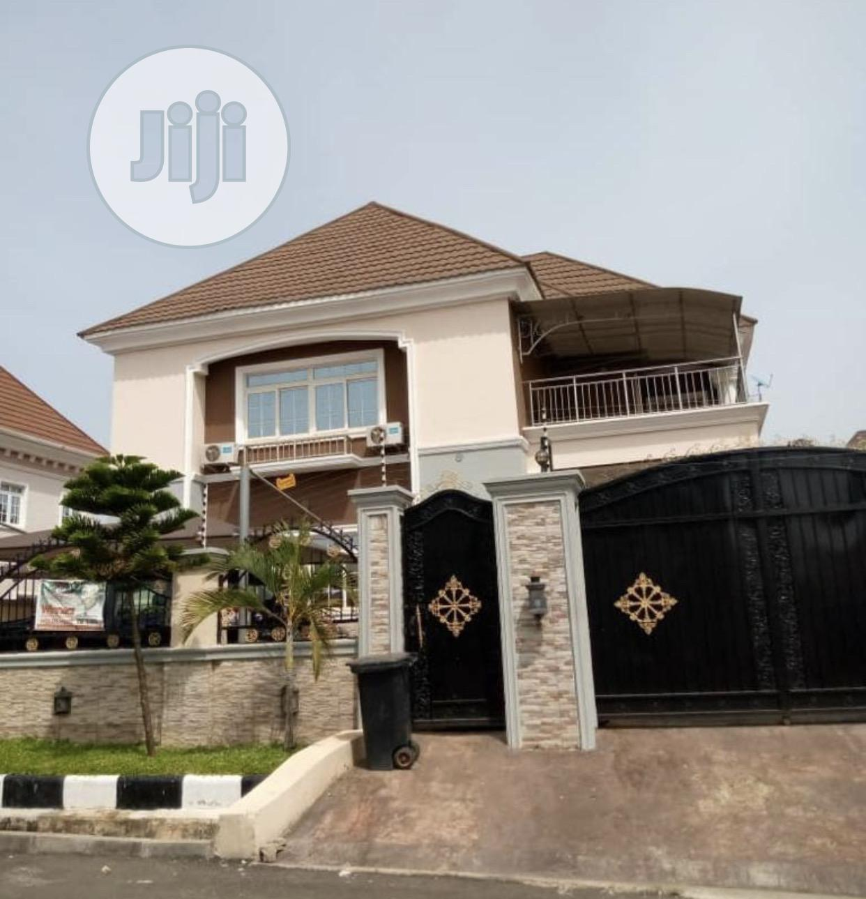 Beautiful 4 Bedroom Detached Duplex With Swimming Pool