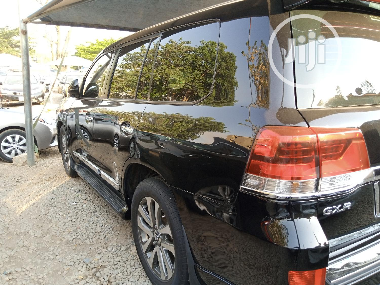 Archive: Toyota Land Cruiser 2012 Black