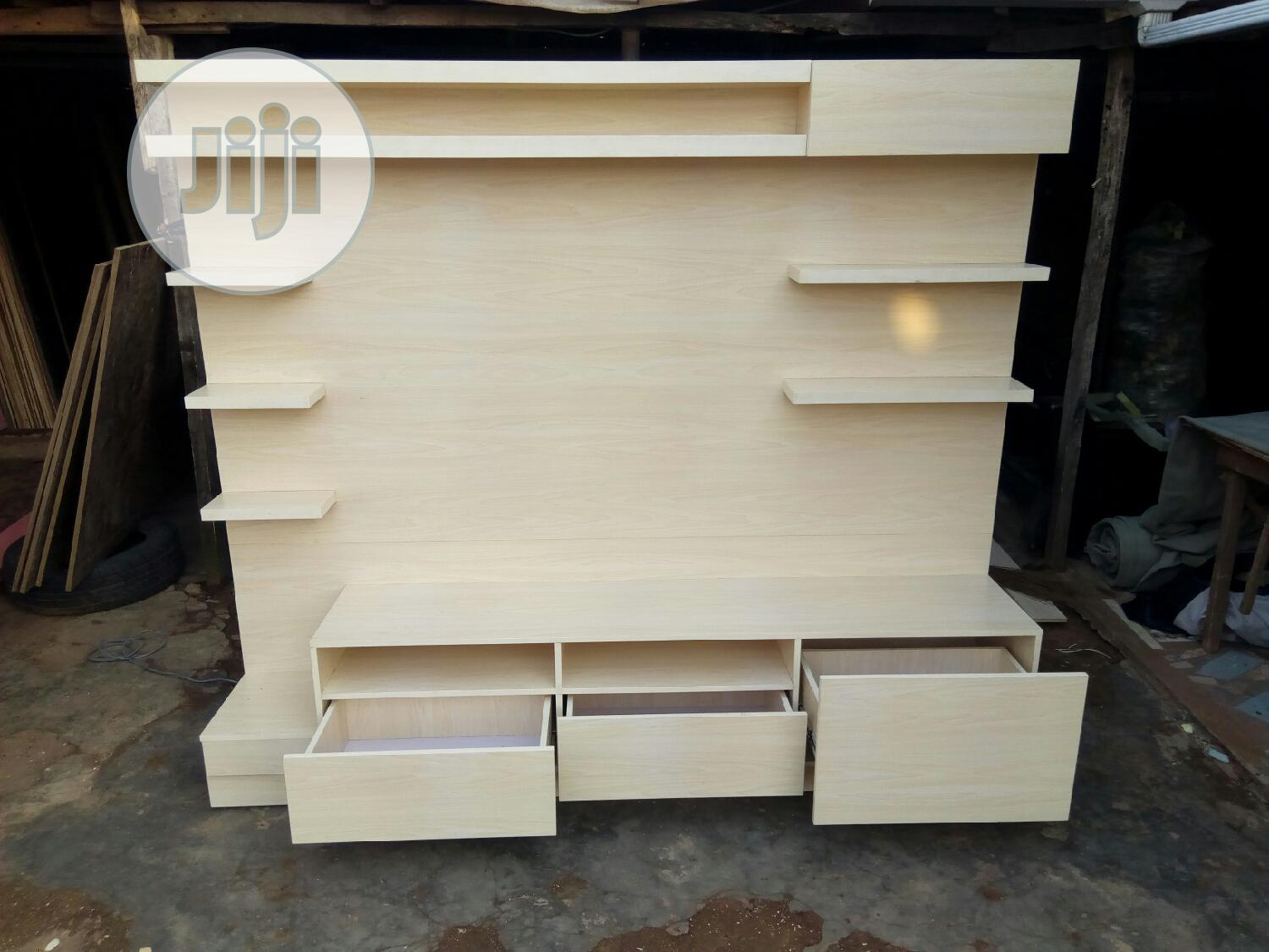 Vip Tv Stand With Hdf High Quality in Any Colors I Have | Furniture for sale in Lekki, Lagos State, Nigeria