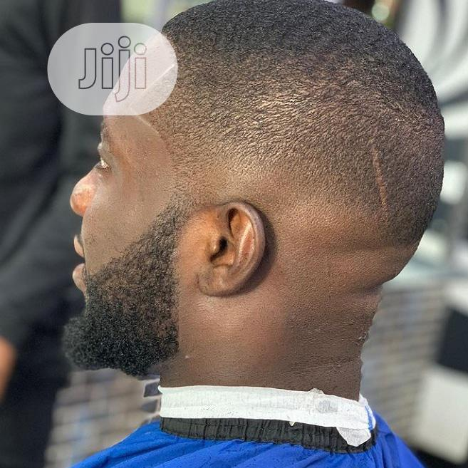 Archive: A Proffesional Home Service Barber