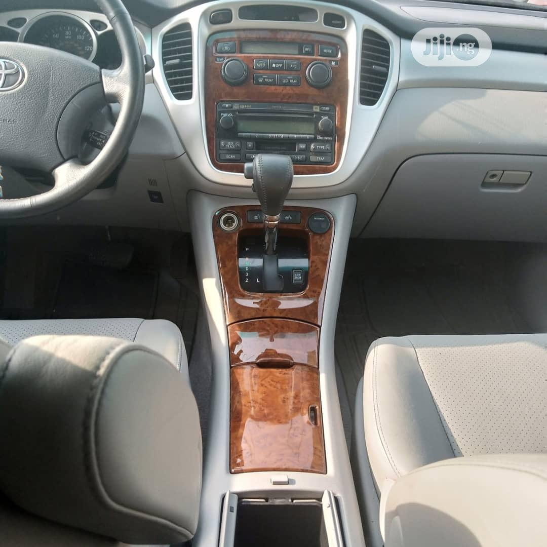 Toyota Highlander 2004 Limited V6 FWD Silver | Cars for sale in Amuwo-Odofin, Lagos State, Nigeria