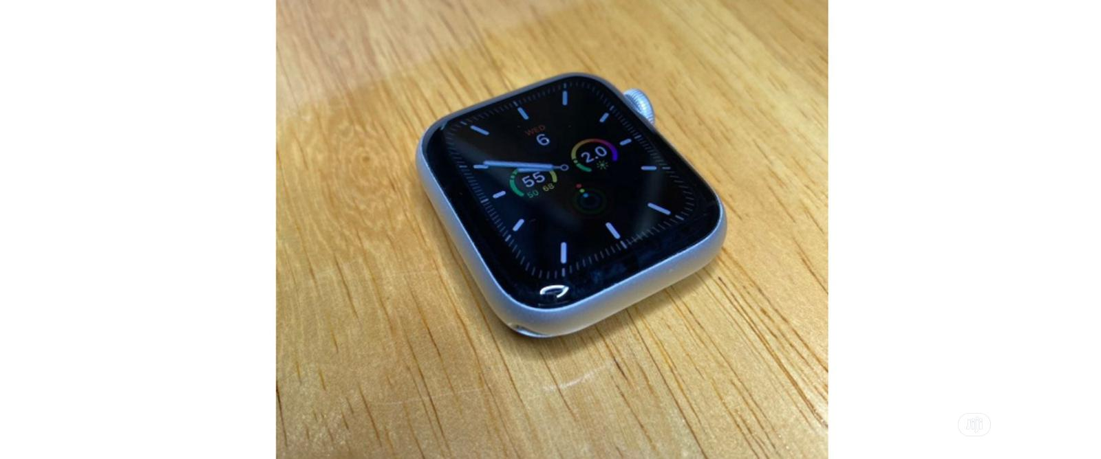 Apple Watch Series 5 (GPS, 40mm) | Smart Watches & Trackers for sale in Lekki, Lagos State, Nigeria
