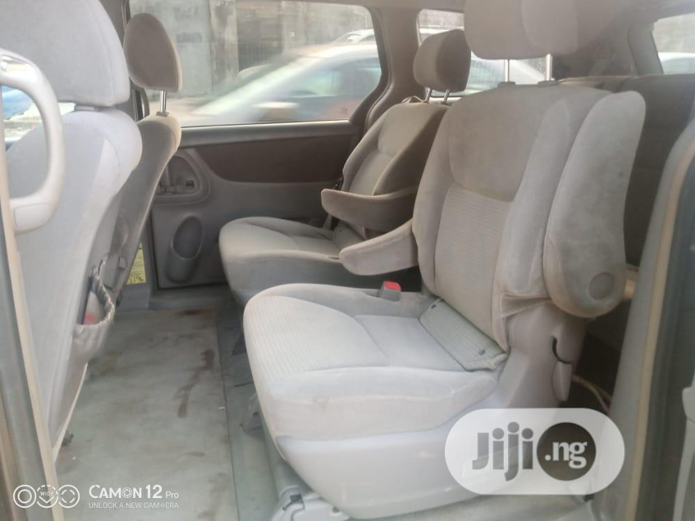 Toyota Sienna 2004 Gray | Cars for sale in Isolo, Lagos State, Nigeria