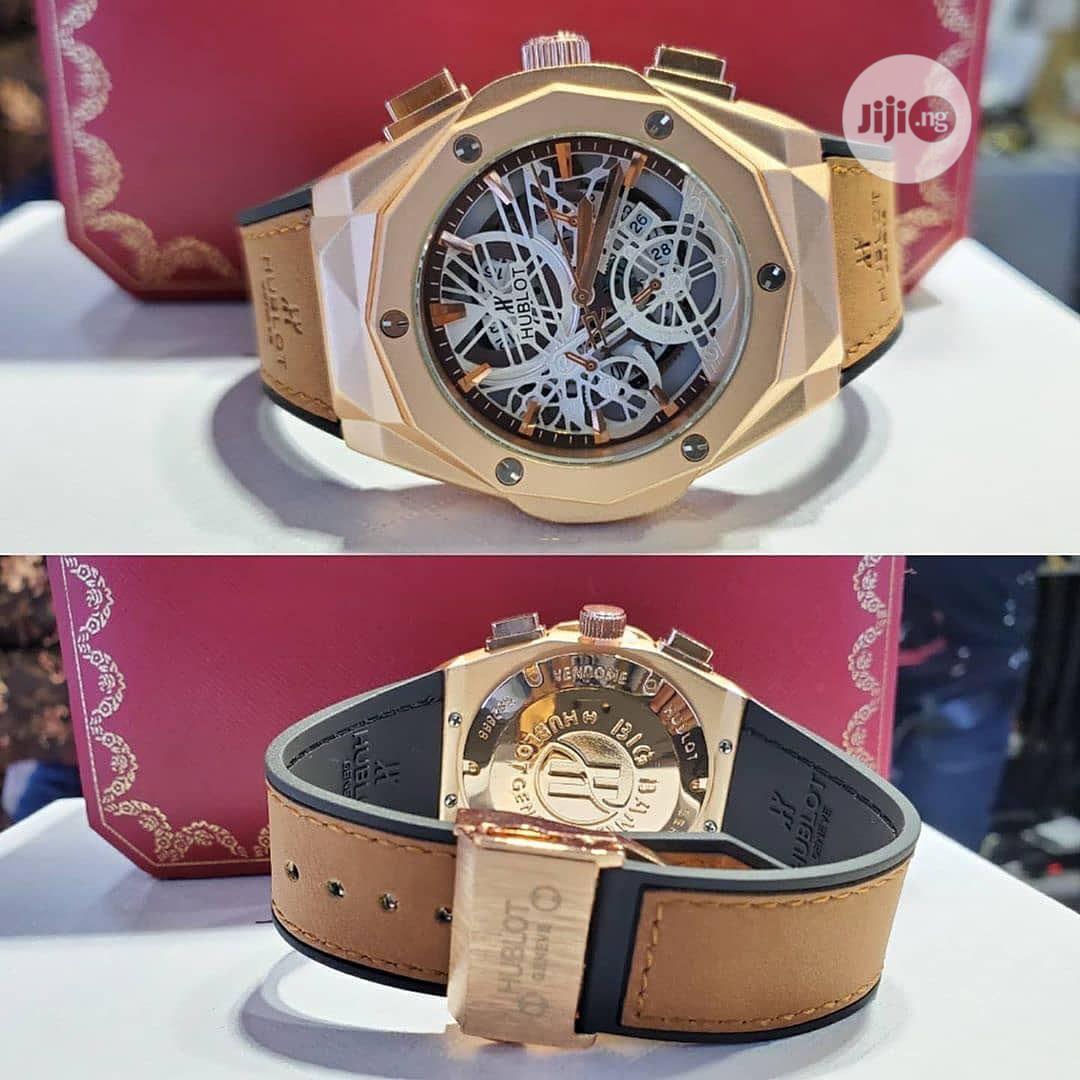 Men Leather Wrist Watch