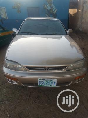 Toyota Camry 1996 LE V6 Sedan Gold   Cars for sale in Plateau State, Jos