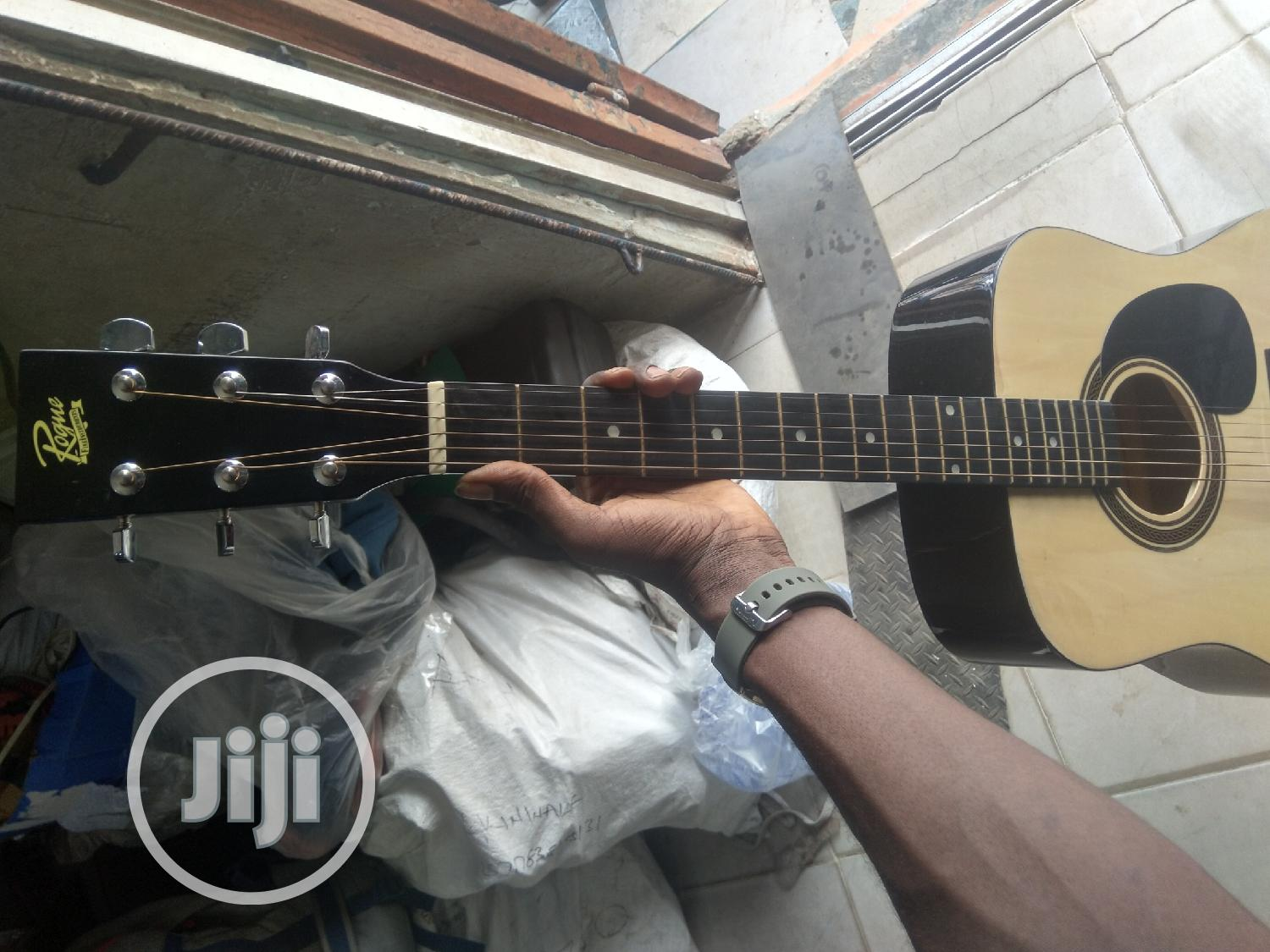 Uk Used Box Guitar | Musical Instruments & Gear for sale in Alimosho, Lagos State, Nigeria