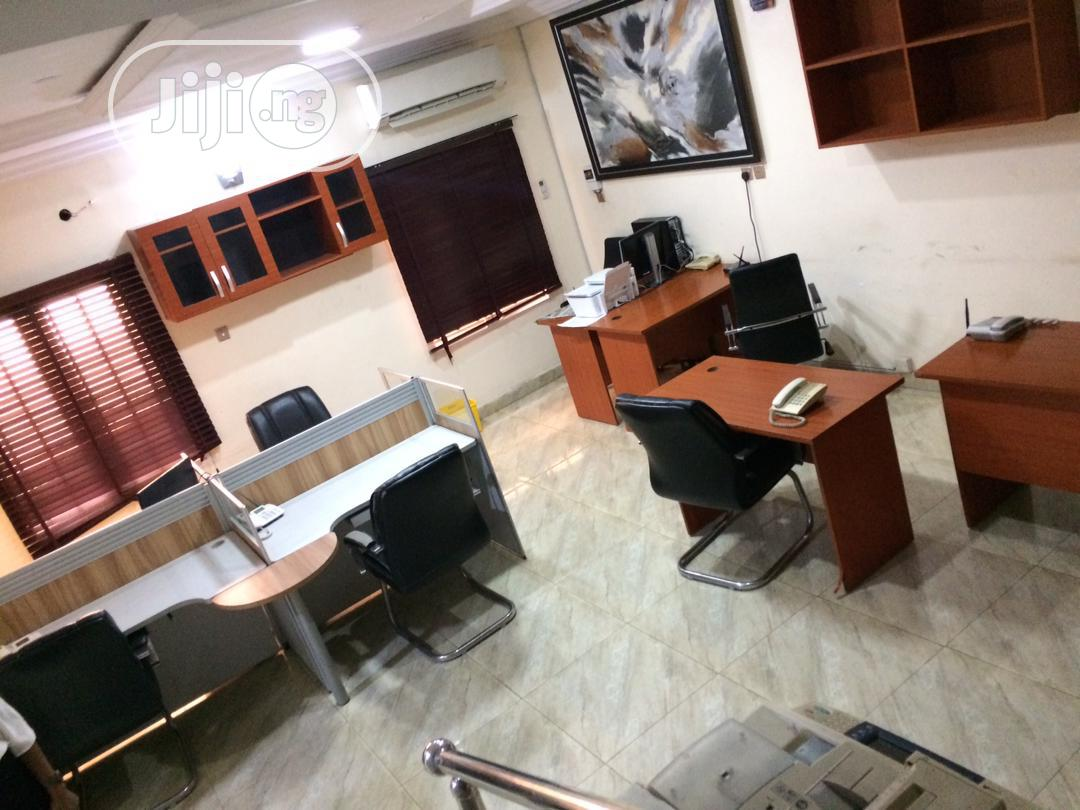 A Massive Duplex With 48 Office Seats for Enterprenuers