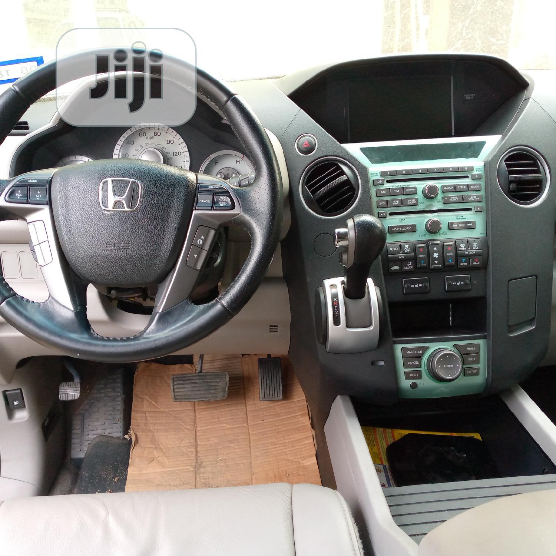Archive: Honda Pilot 2012 Gray
