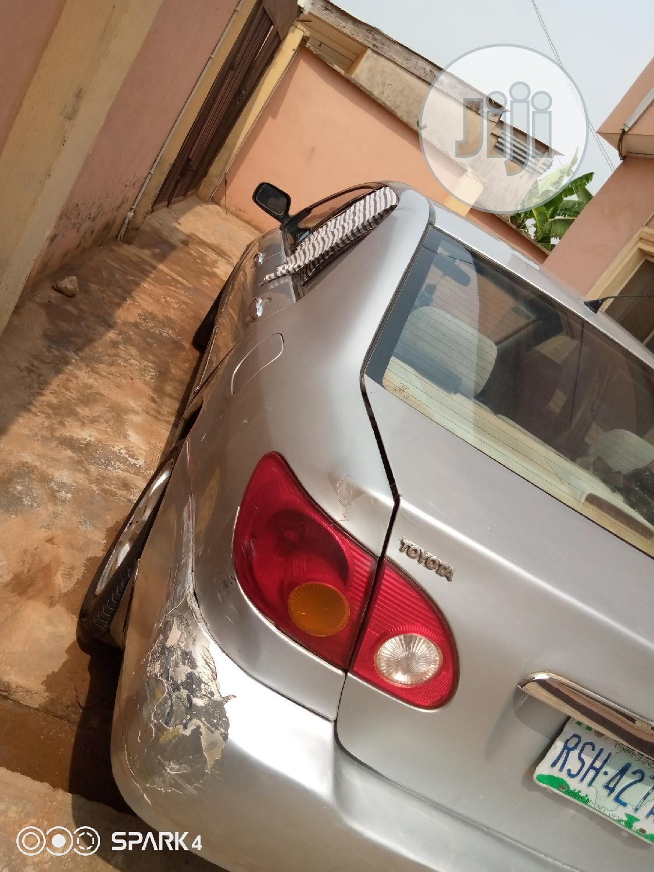 Archive: Toyota Corolla 2003 Verso Silver