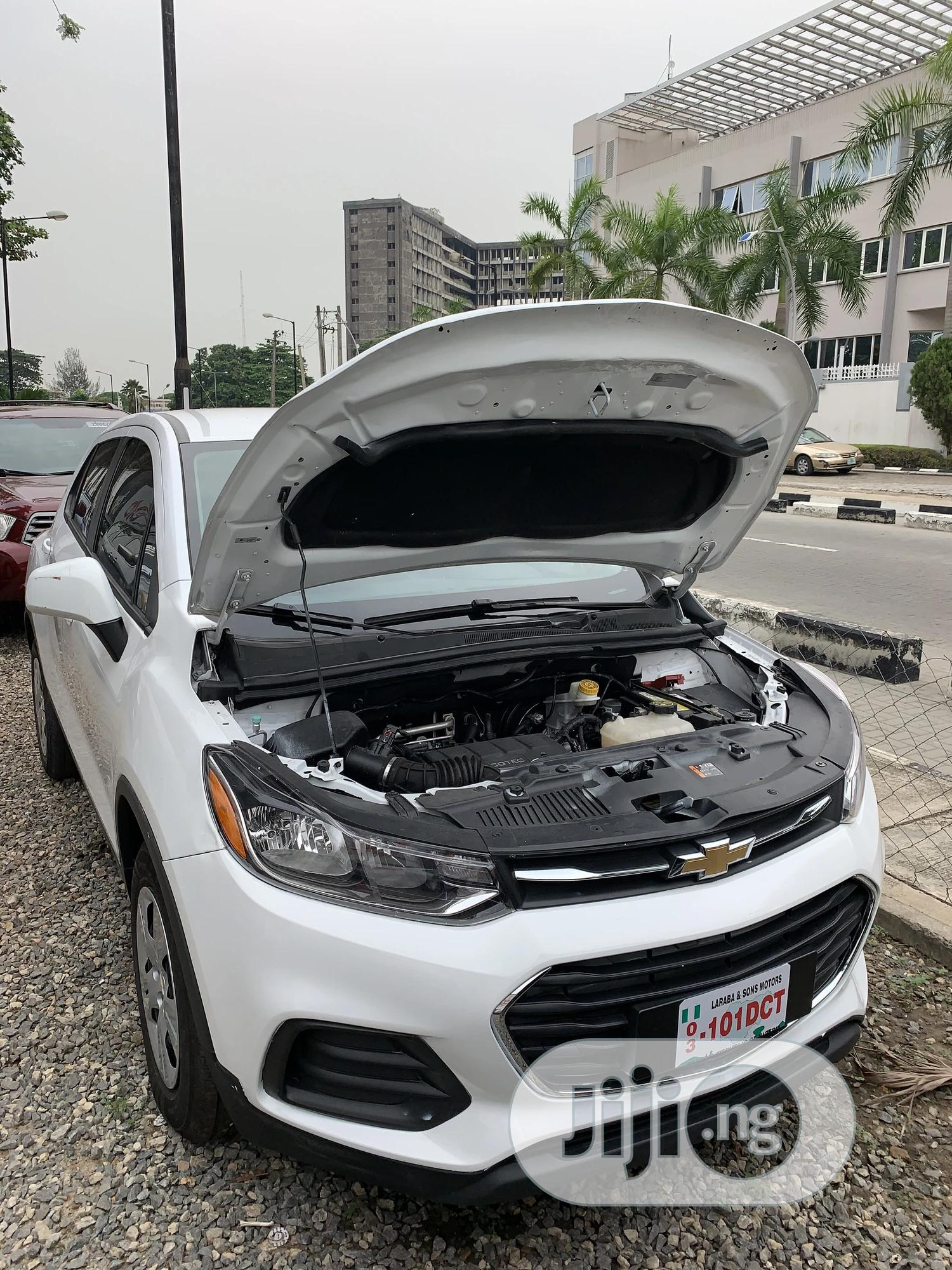 Chevrolet Trax 2017 White | Cars for sale in Ikoyi, Lagos State, Nigeria