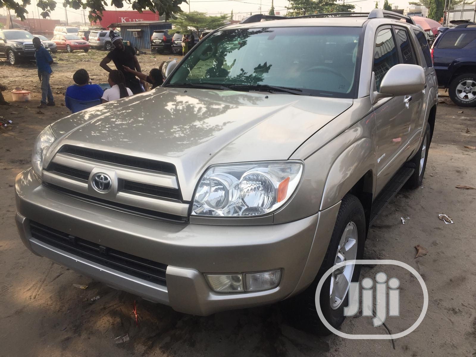 Toyota 4-Runner 2005 Limited V6 Gold