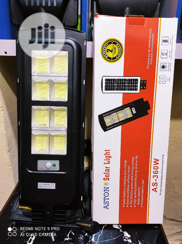 360W All in One Solar Street Light With 2 Years Warranty